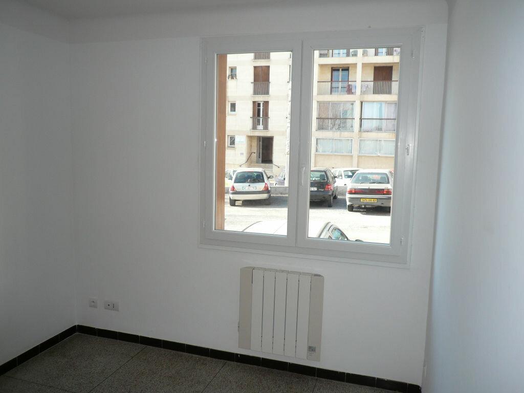 Appartement à louer 3 62m2 à Manosque vignette-5