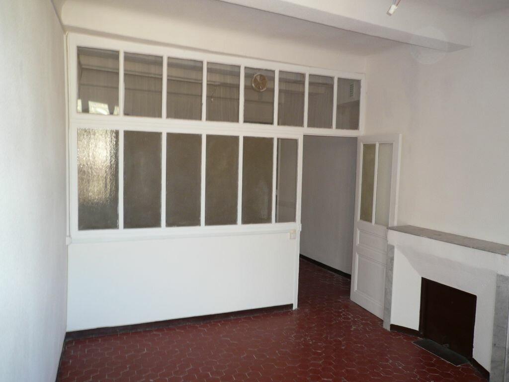 Appartement à louer 3 100m2 à Manosque vignette-2