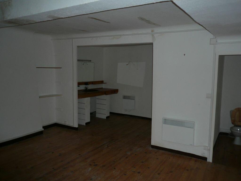 Appartement à louer 3 100m2 à Manosque vignette-4