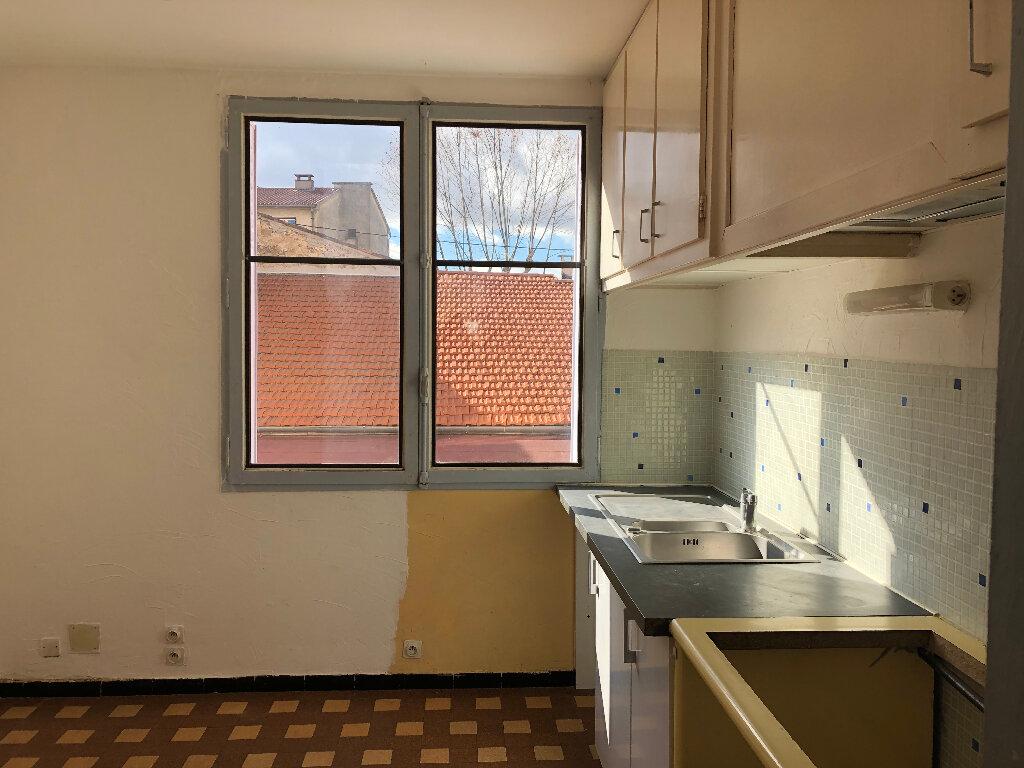 Appartement à louer 4 66.23m2 à Manosque vignette-1