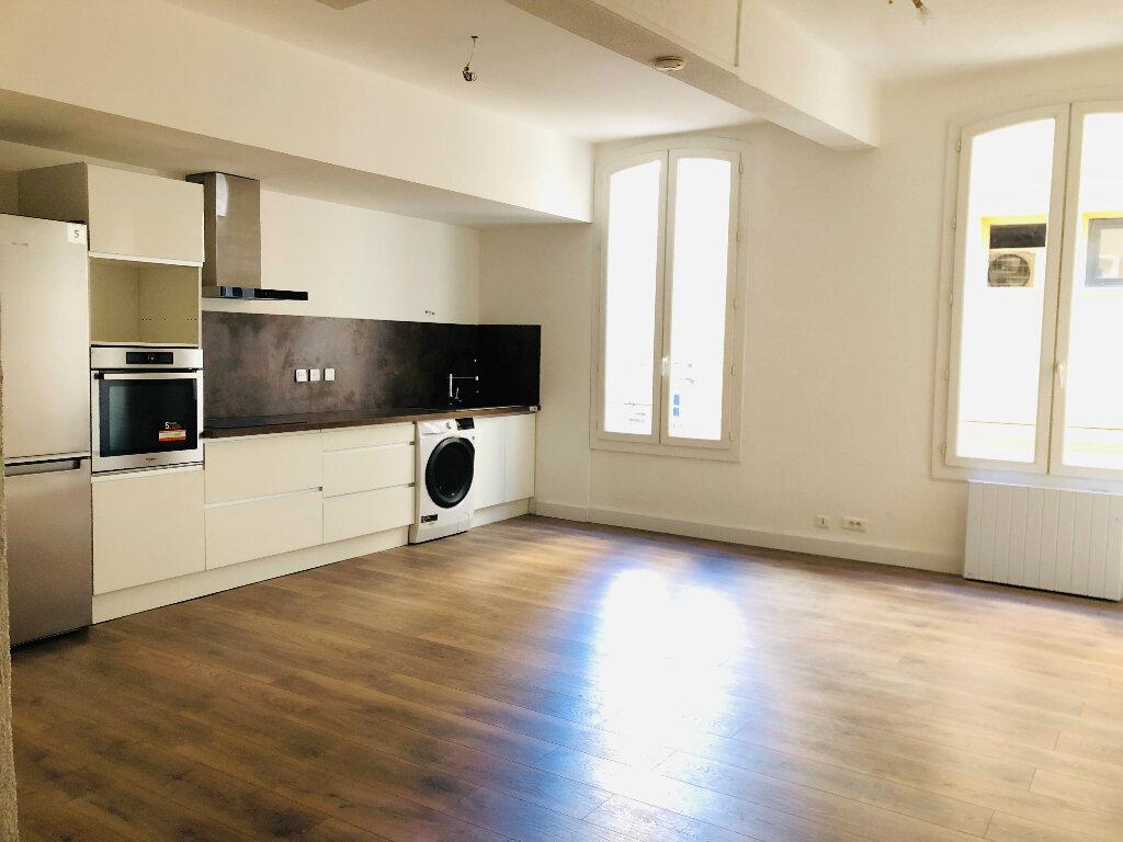 Appartement à louer 2 52m2 à Manosque vignette-1