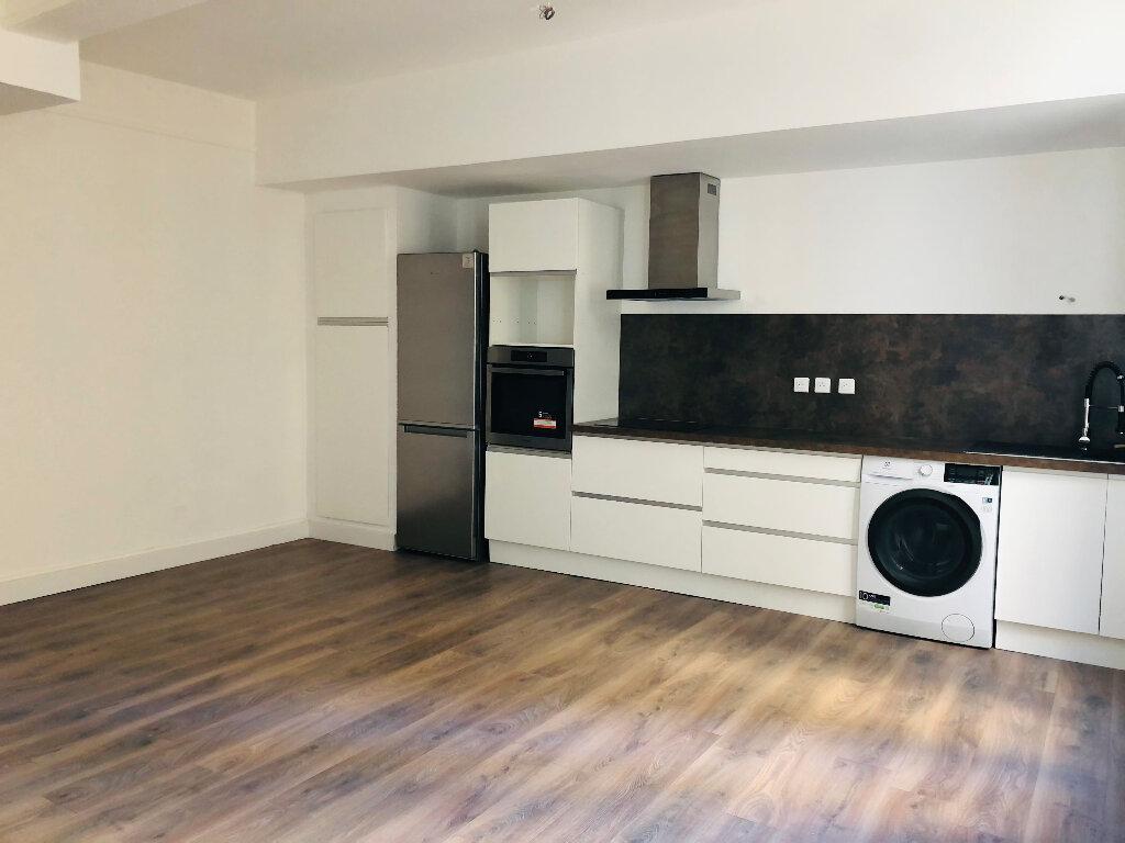 Appartement à louer 2 52m2 à Manosque vignette-3