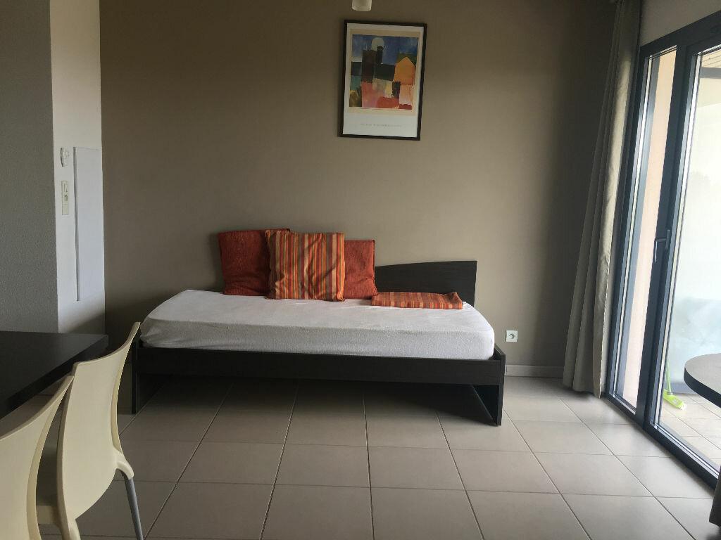 Appartement à louer 1 31m2 à Manosque vignette-4