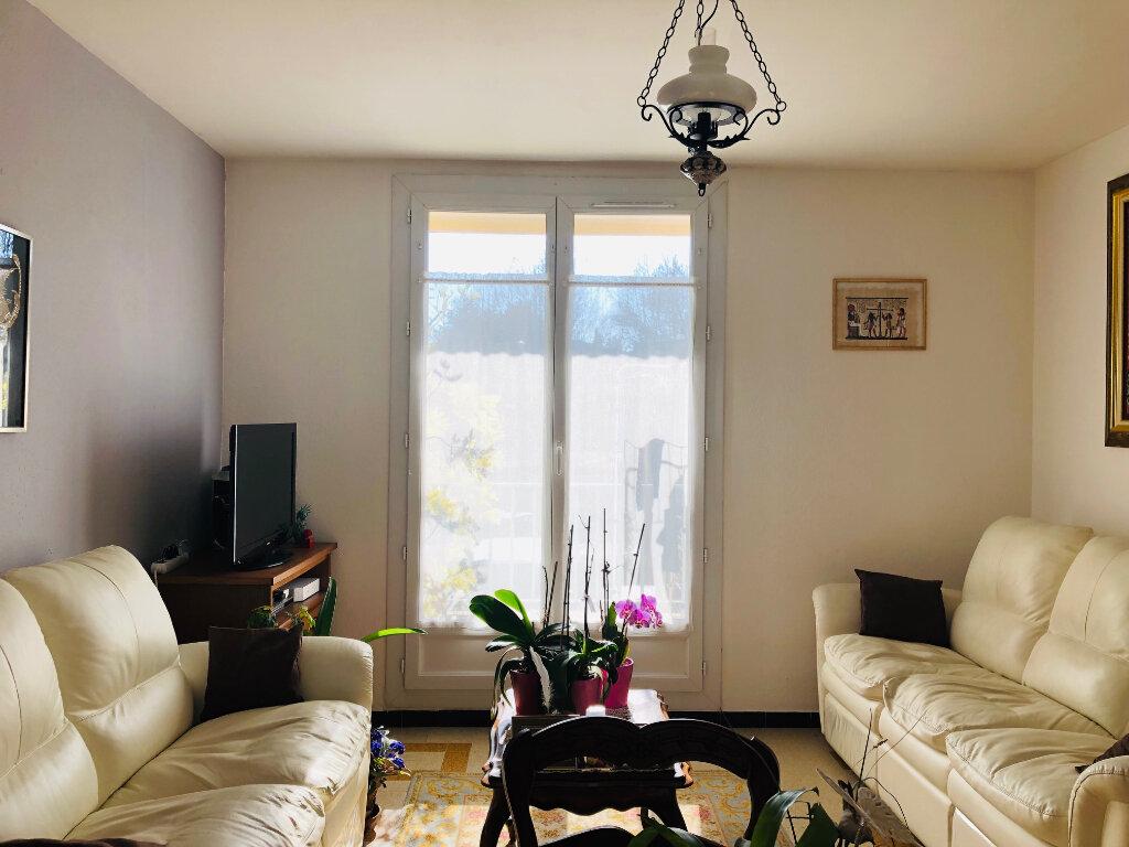 Appartement à louer 3 57.43m2 à Manosque vignette-2