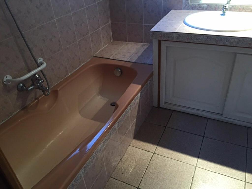 Appartement à louer 4 97.9m2 à Villeneuve vignette-6