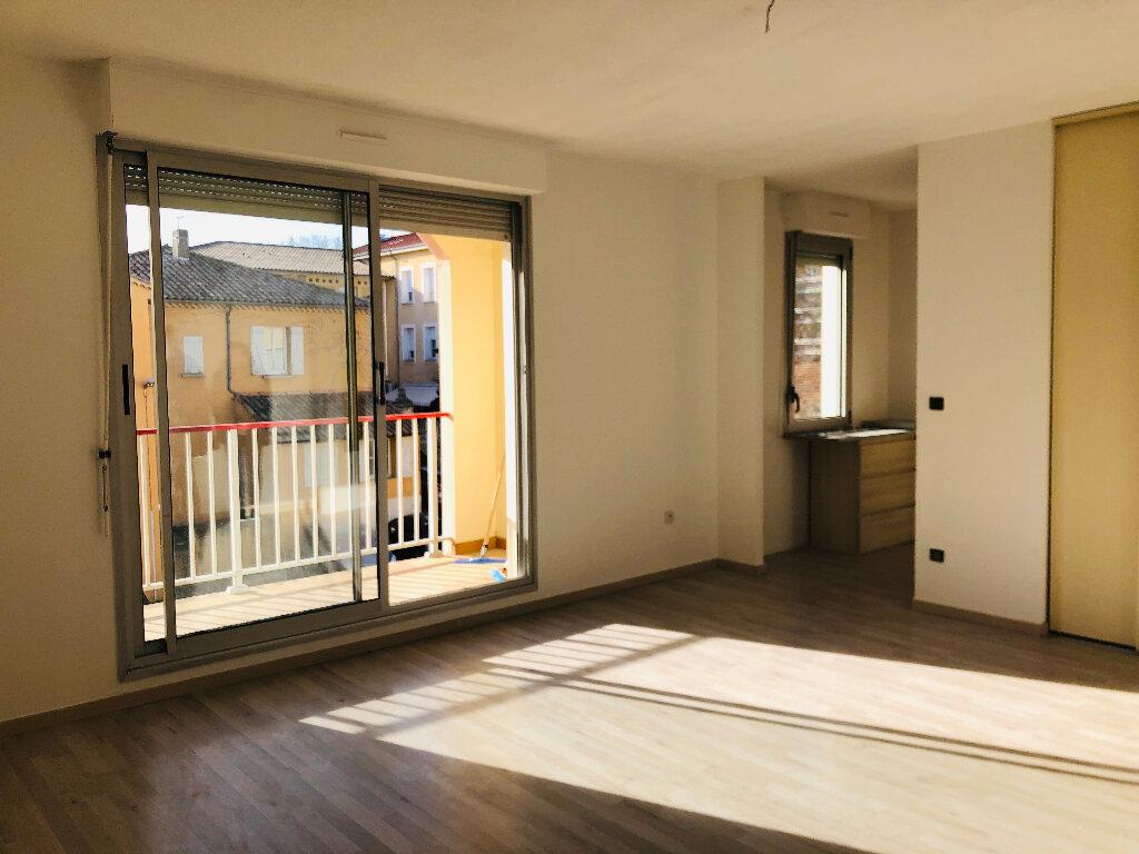 Appartement à louer 3 65.32m2 à Manosque vignette-2