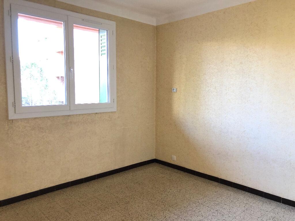Appartement à louer 3 56m2 à Manosque vignette-2
