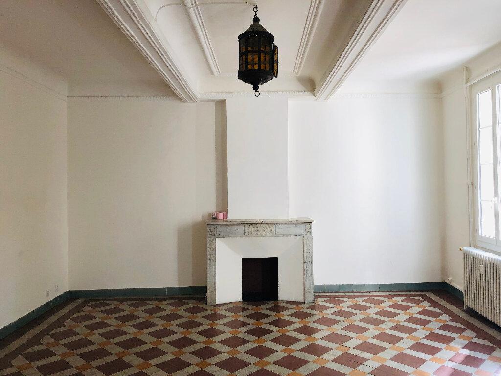 Appartement à louer 4 127.75m2 à Manosque vignette-1
