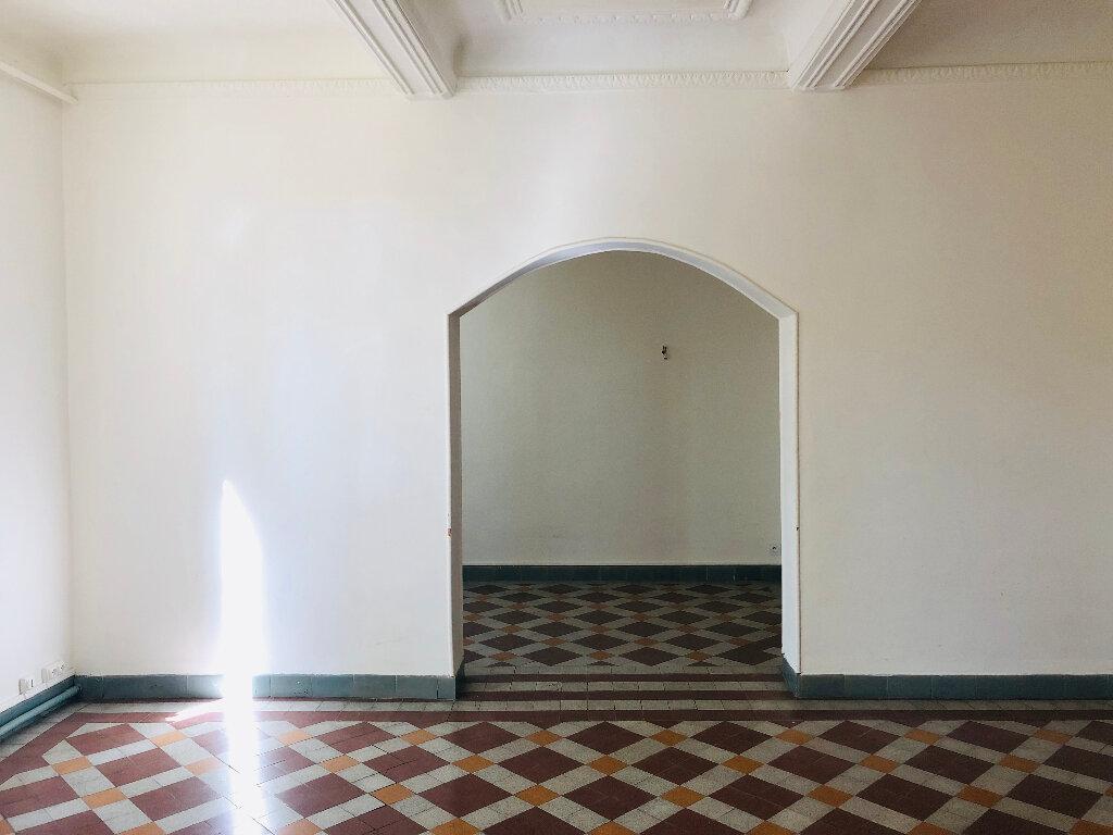 Appartement à louer 4 127.75m2 à Manosque vignette-2