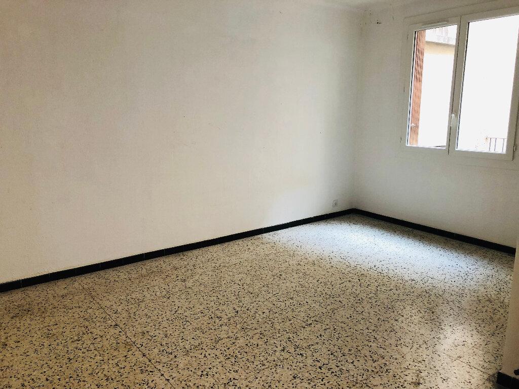 Appartement à louer 4 127.75m2 à Manosque vignette-4