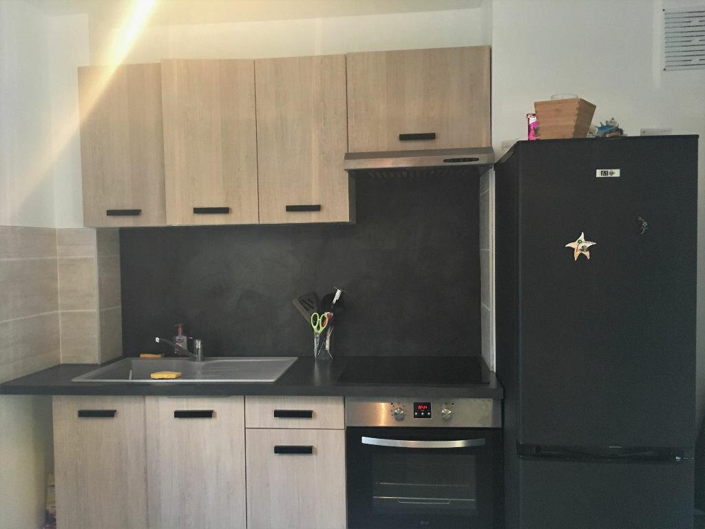 Appartement à louer 2 45m2 à Manosque vignette-4
