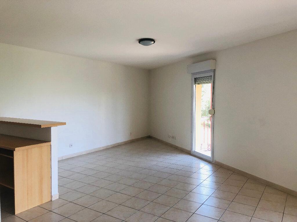 Appartement à louer 3 66.1m2 à Manosque vignette-3