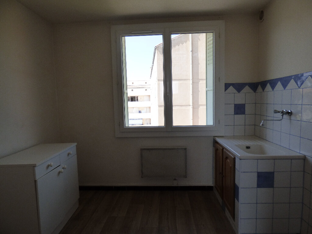Appartement à louer 3 52.89m2 à Manosque vignette-6