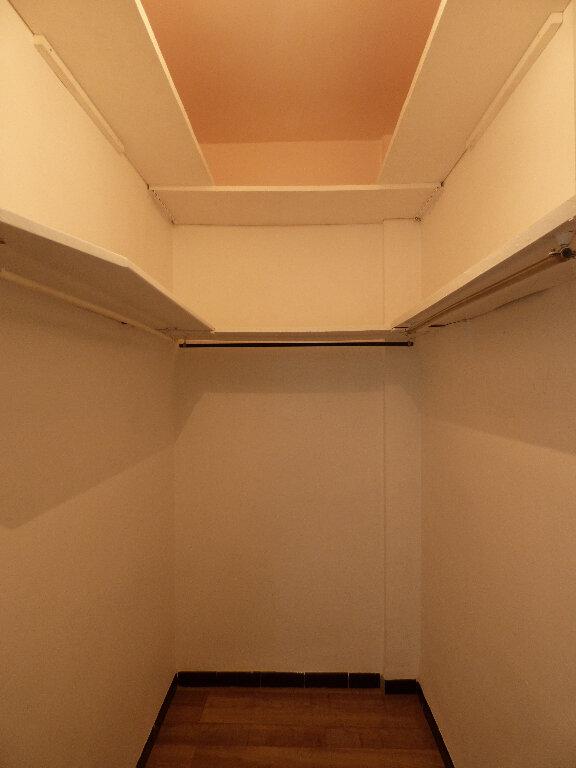 Appartement à louer 3 52.89m2 à Manosque vignette-9