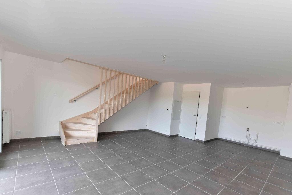Appartement à vendre 5 108.39m2 à Manosque vignette-2