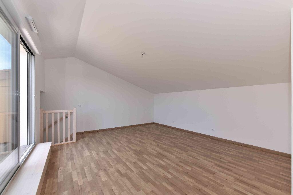 Appartement à vendre 5 108.39m2 à Manosque vignette-5