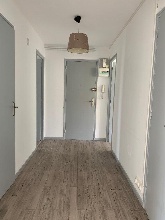 Appartement à louer 3 85.25m2 à Manosque vignette-2