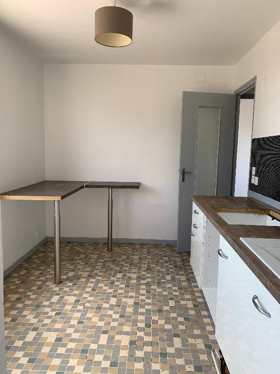 Appartement à louer 3 85.25m2 à Manosque vignette-3