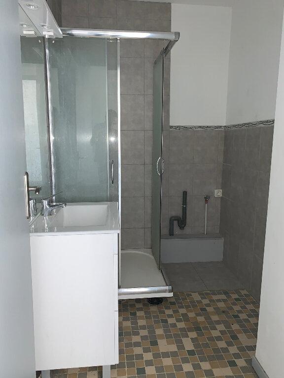 Appartement à louer 3 85.25m2 à Manosque vignette-4