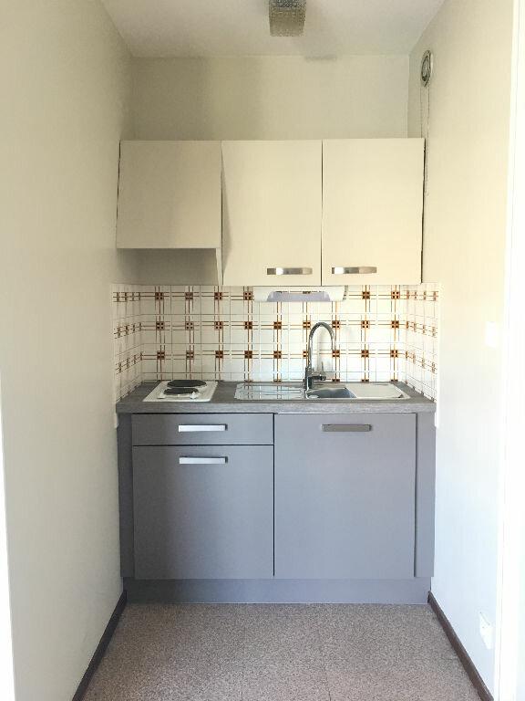 Appartement à louer 1 25.37m2 à Manosque vignette-2