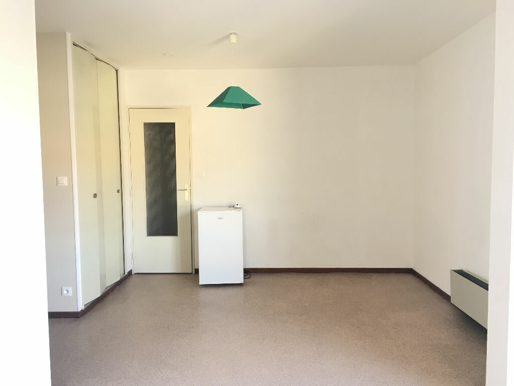 Appartement à louer 1 25.37m2 à Manosque vignette-3