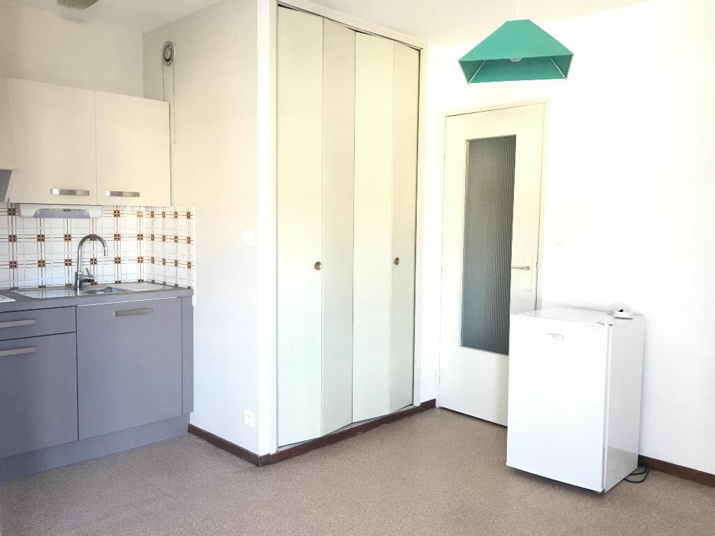 Appartement à louer 1 25.37m2 à Manosque vignette-4