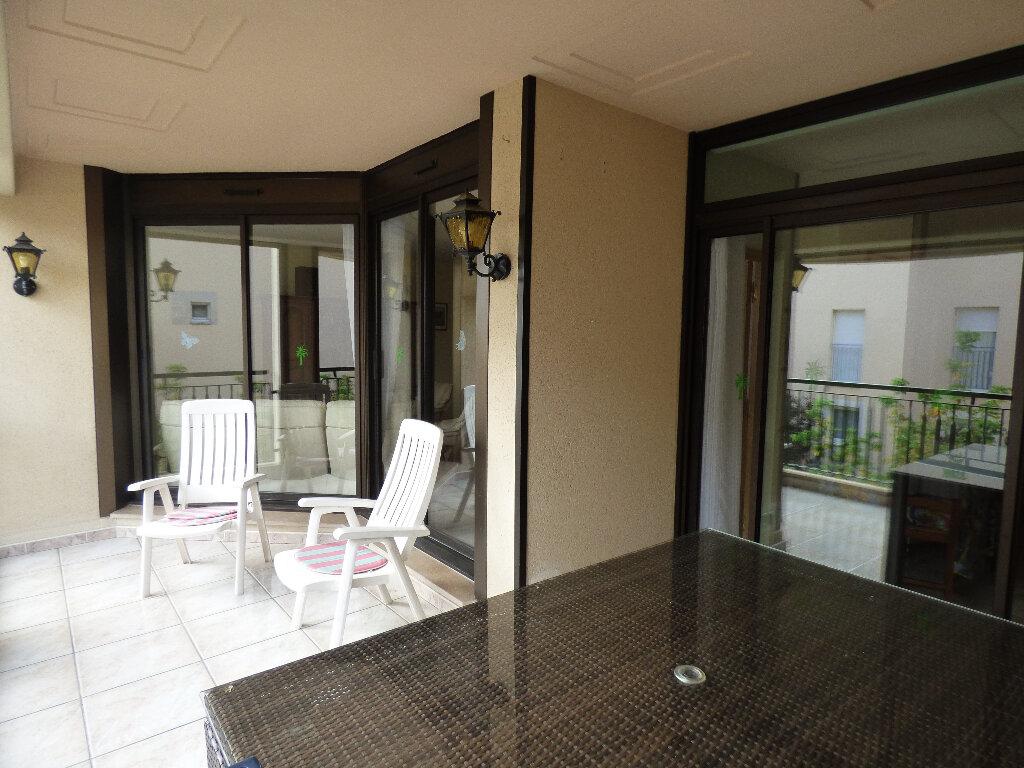 Appartement à vendre 4 119.9m2 à Manosque vignette-1