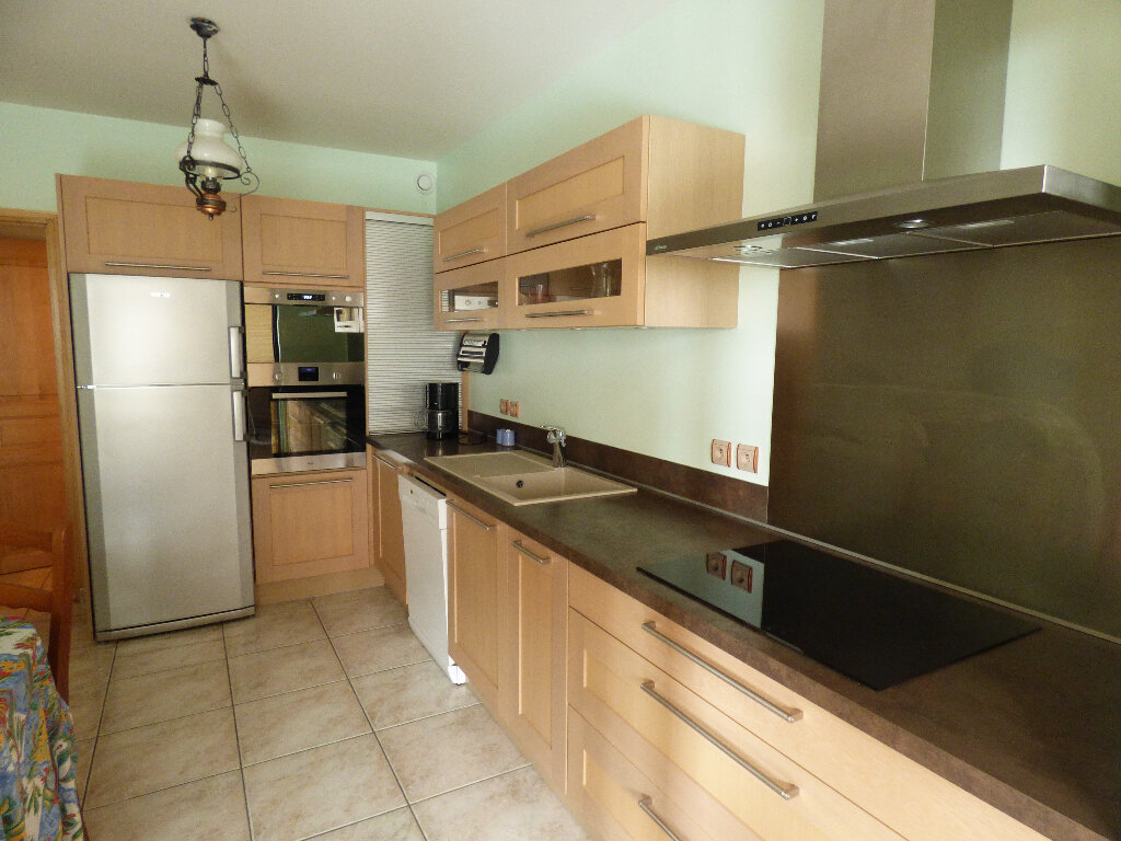 Appartement à vendre 4 119.9m2 à Manosque vignette-3