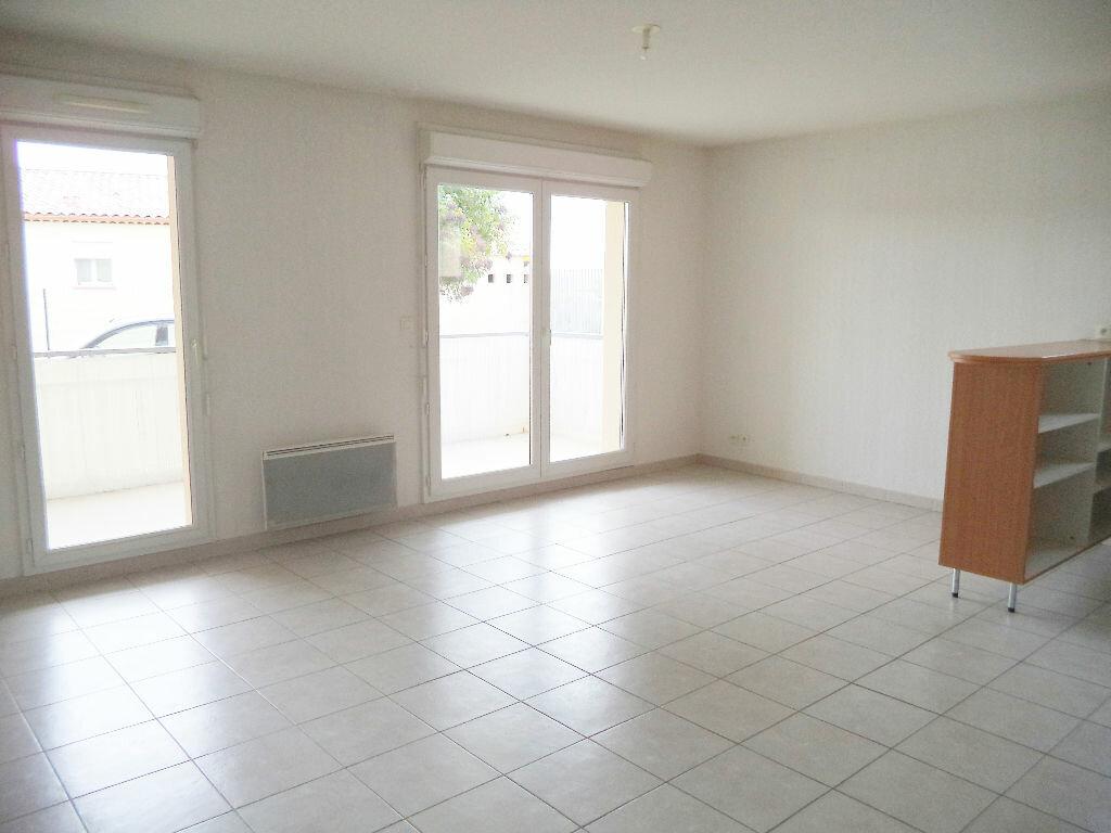 Appartement à louer 3 56.64m2 à Manosque vignette-2