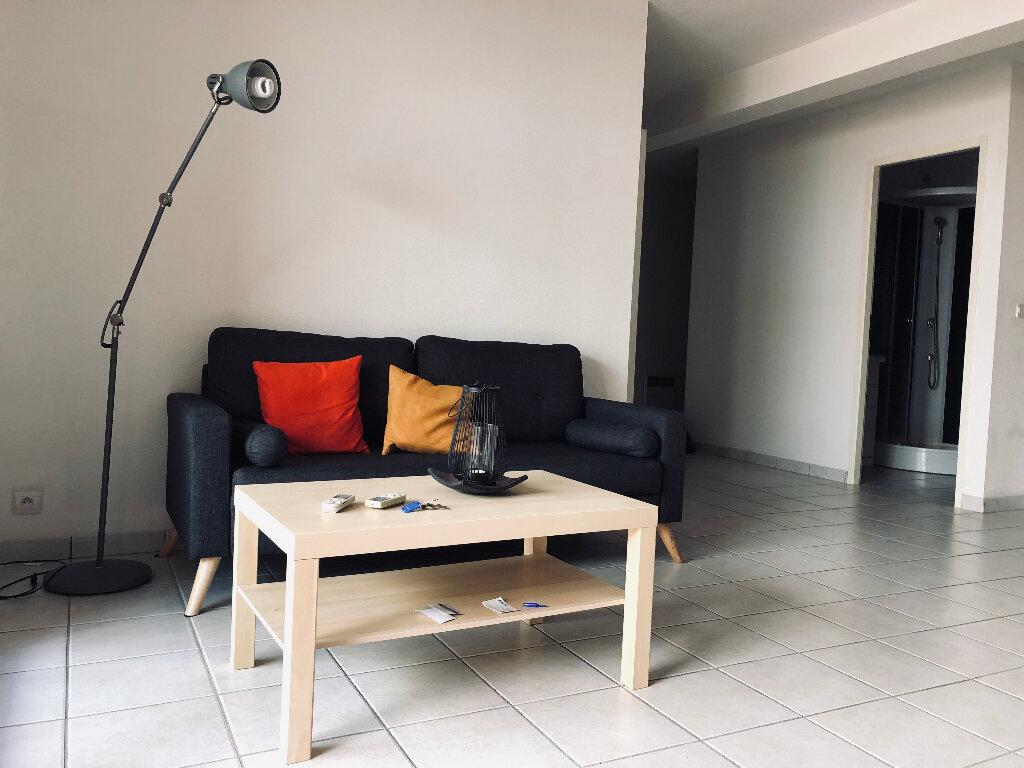 Appartement à louer 2 56.25m2 à Manosque vignette-3
