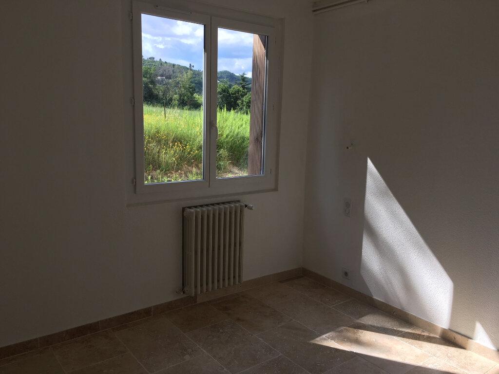 Appartement à louer 4 82.95m2 à Manosque vignette-4