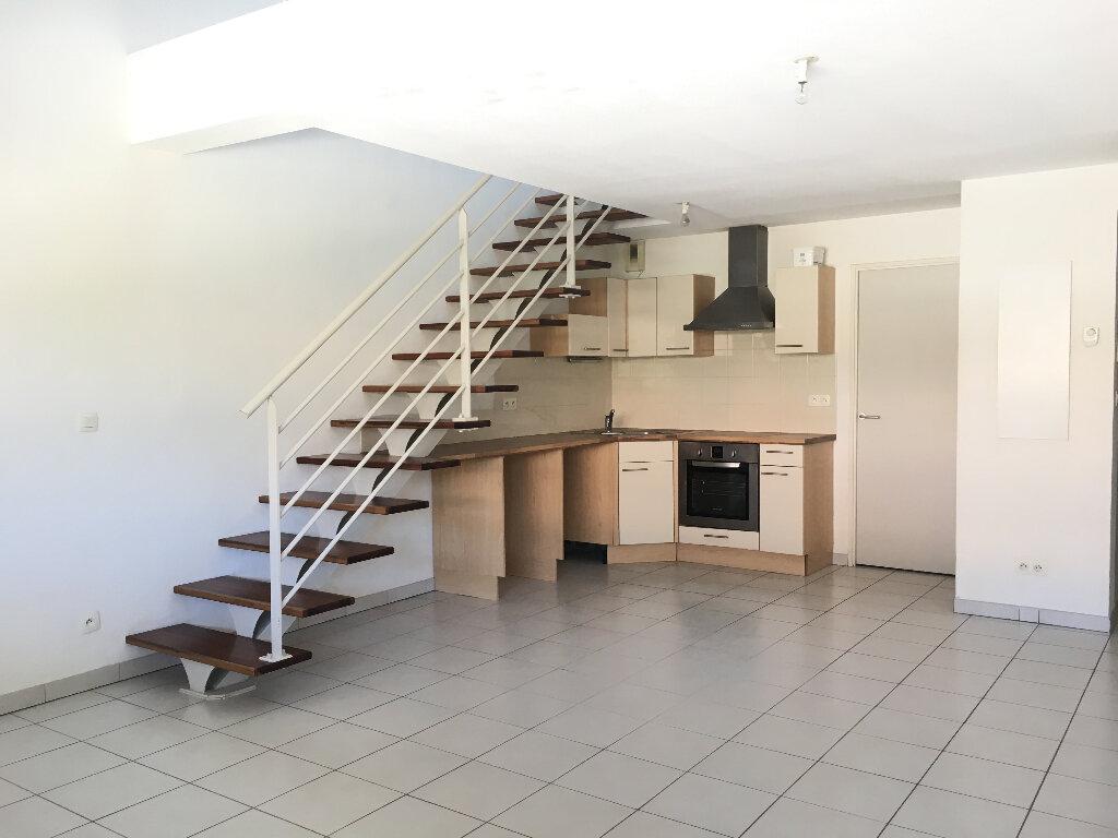 Appartement à louer 2 61.44m2 à Manosque vignette-1