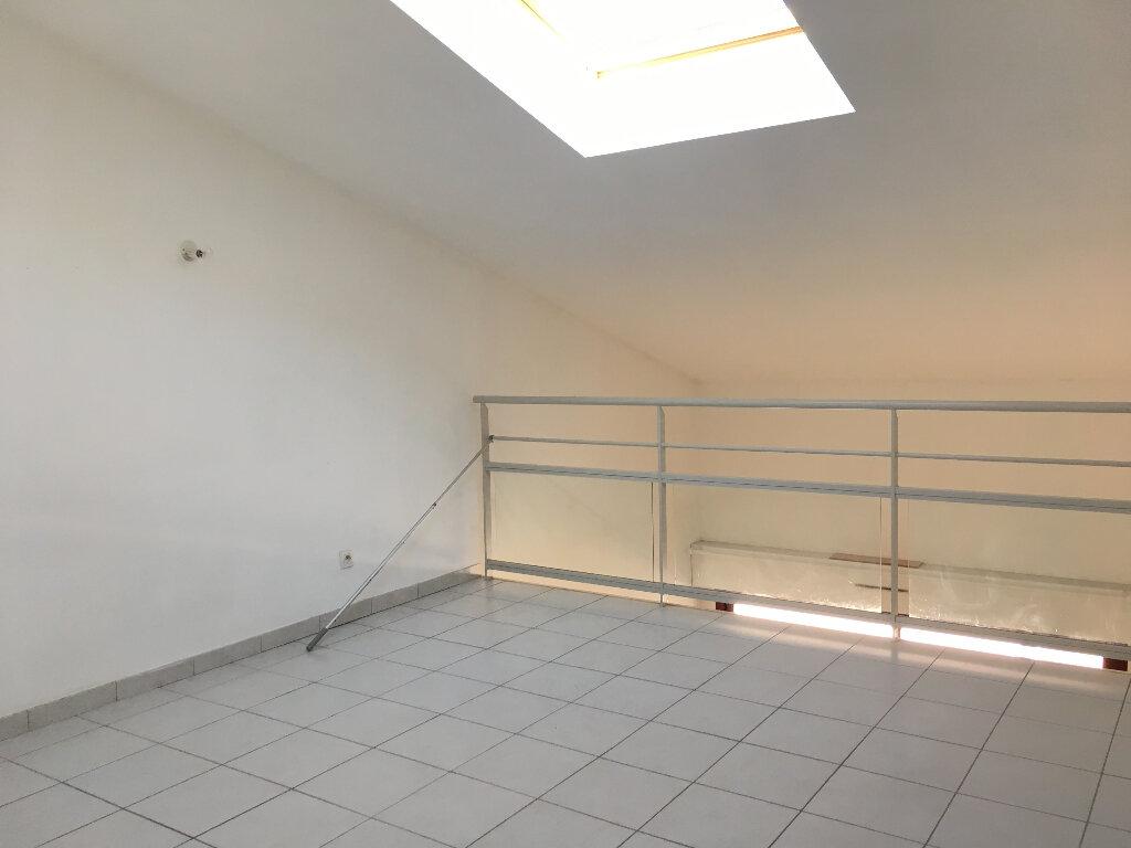 Appartement à louer 2 61.44m2 à Manosque vignette-5