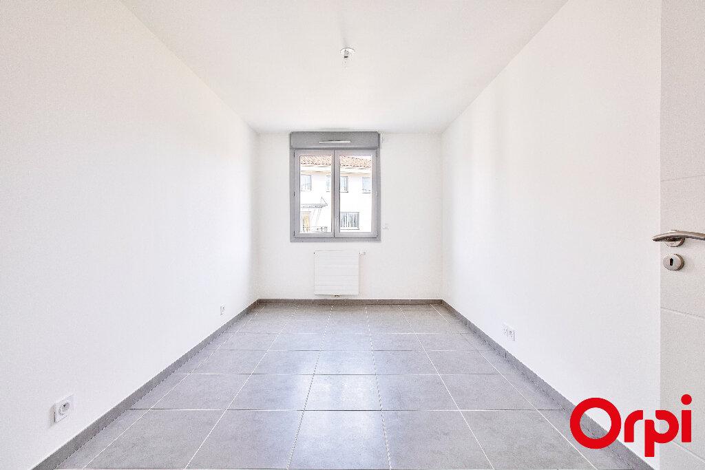 Appartement à vendre 5 108.35m2 à Manosque vignette-4