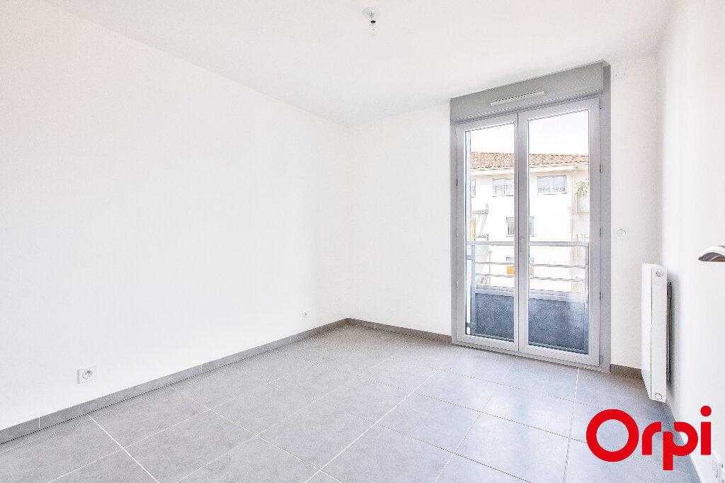 Appartement à vendre 5 108.35m2 à Manosque vignette-5