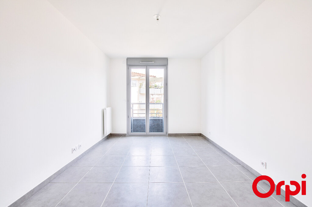 Appartement à vendre 5 108.35m2 à Manosque vignette-6