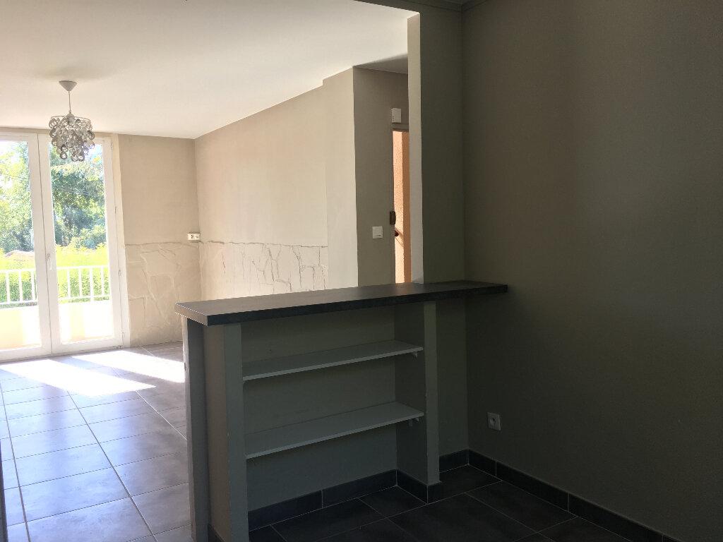 Appartement à louer 3 53.05m2 à Manosque vignette-3
