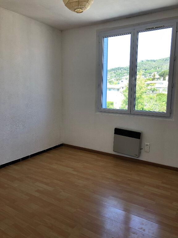 Appartement à louer 3 52.3m2 à Manosque vignette-2