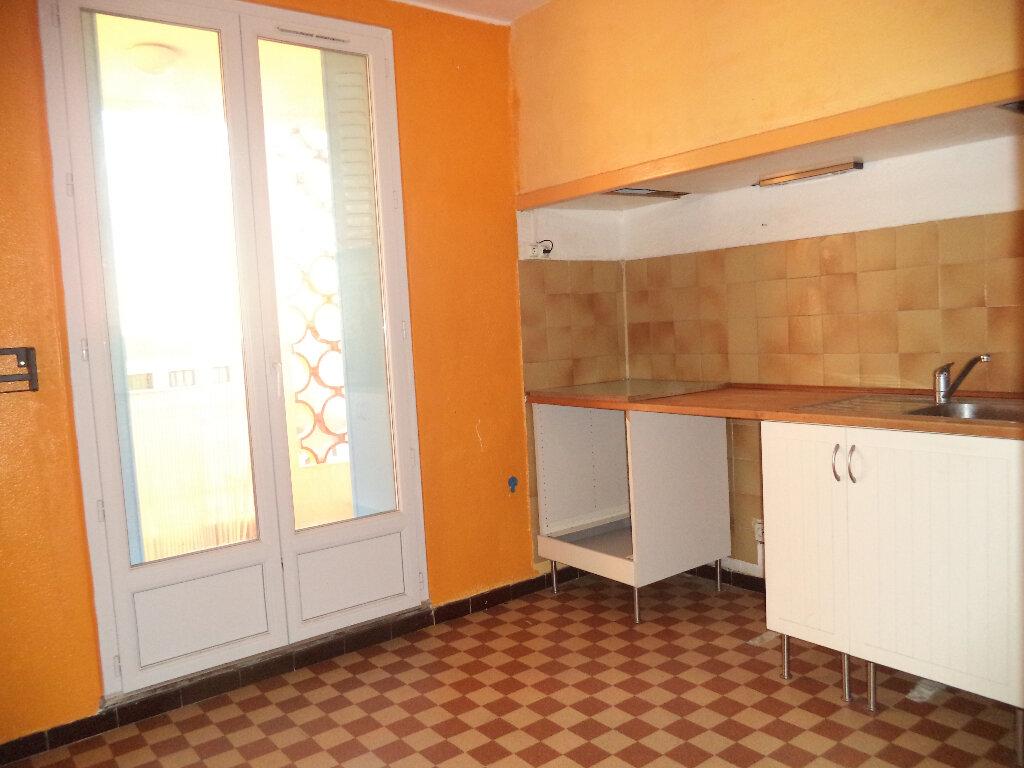Appartement à louer 3 52.3m2 à Manosque vignette-3