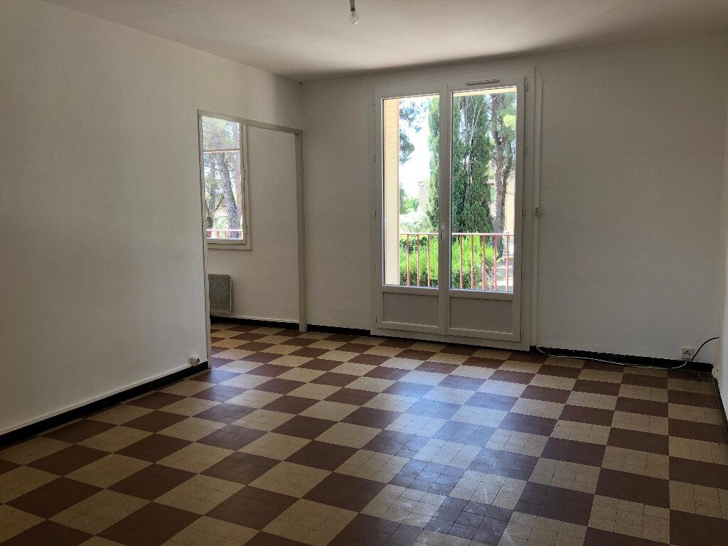 Appartement à louer 3 69.32m2 à Volx vignette-1