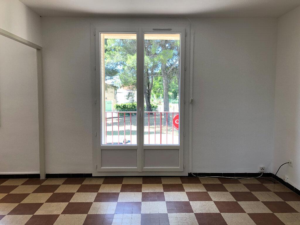Appartement à louer 3 69.32m2 à Volx vignette-2