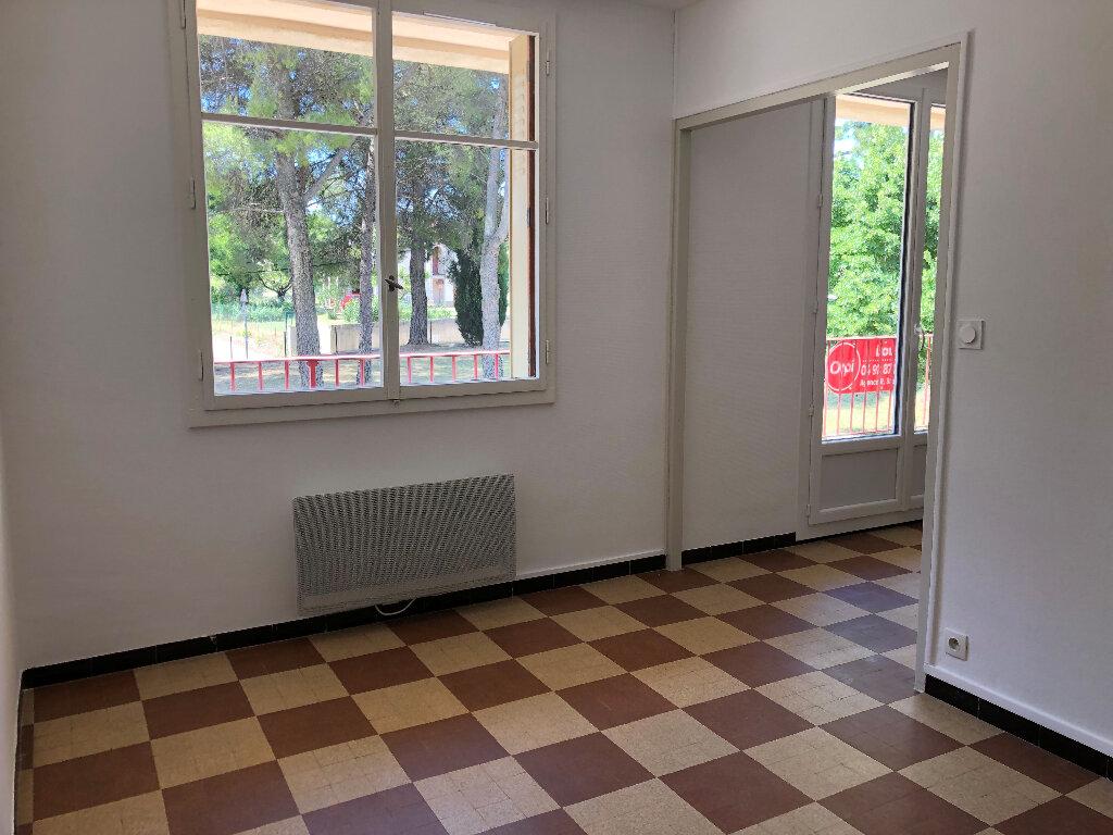 Appartement à louer 3 69.32m2 à Volx vignette-3