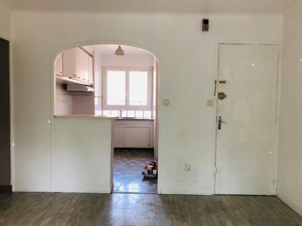 Appartement à louer 3 53.58m2 à Manosque vignette-2