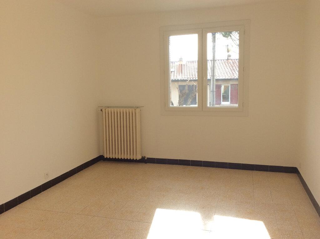 Appartement à louer 4 101.42m2 à Manosque vignette-2