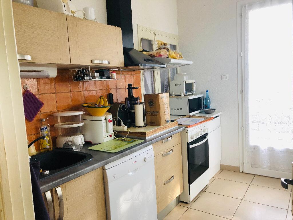 Appartement à louer 3 64.53m2 à Manosque vignette-2