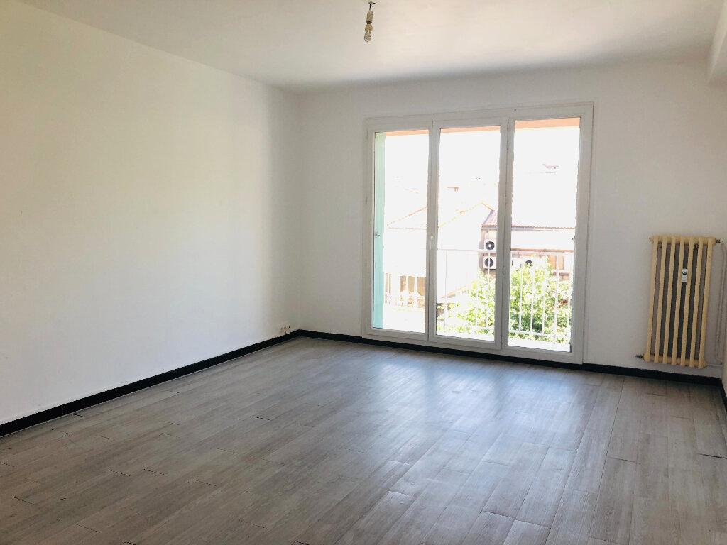 Appartement à louer 3 61.07m2 à Manosque vignette-1