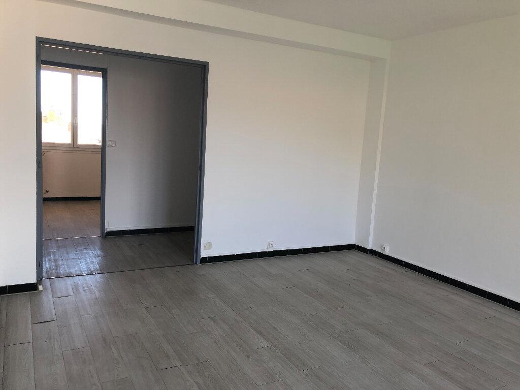 Appartement à louer 3 61.07m2 à Manosque vignette-4