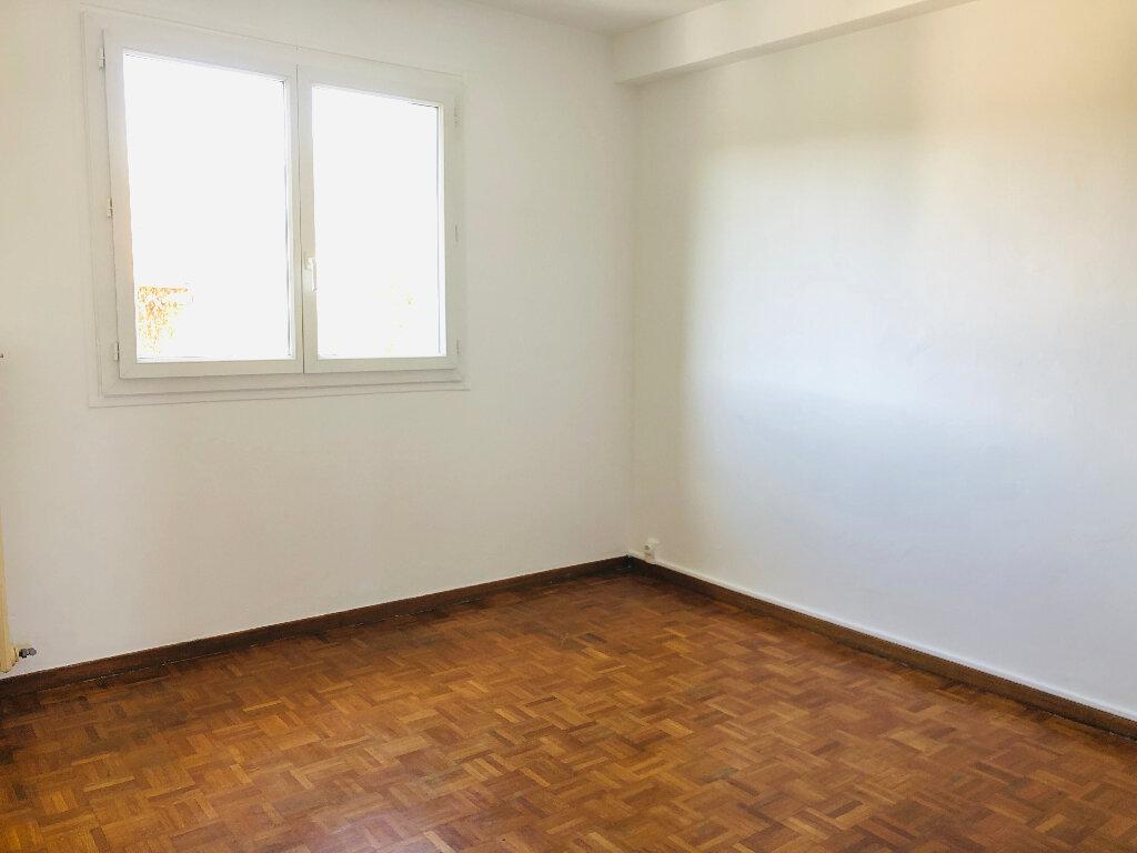 Appartement à louer 3 61.07m2 à Manosque vignette-5