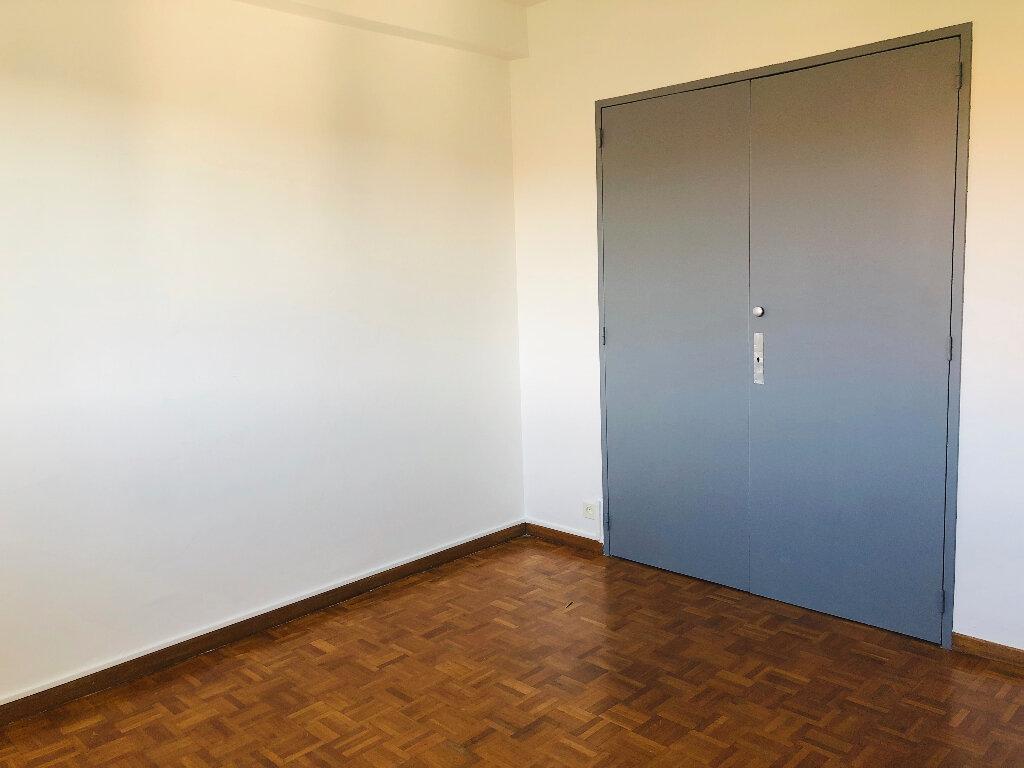 Appartement à louer 3 61.07m2 à Manosque vignette-6