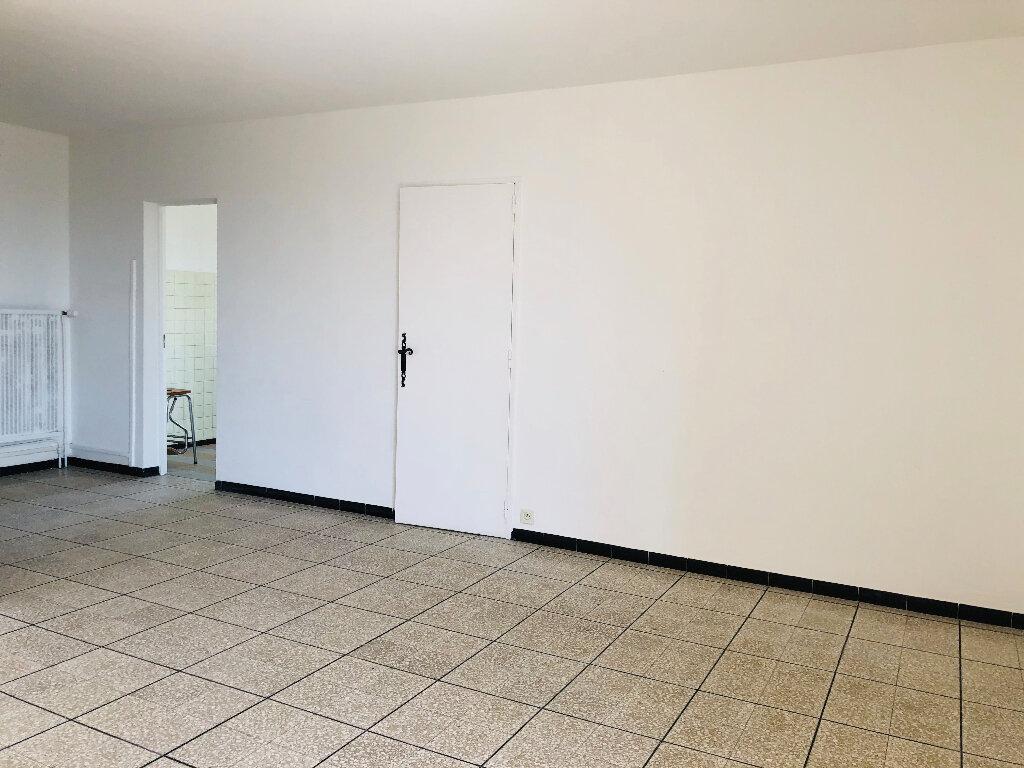 Appartement à louer 4 72.08m2 à Manosque vignette-2